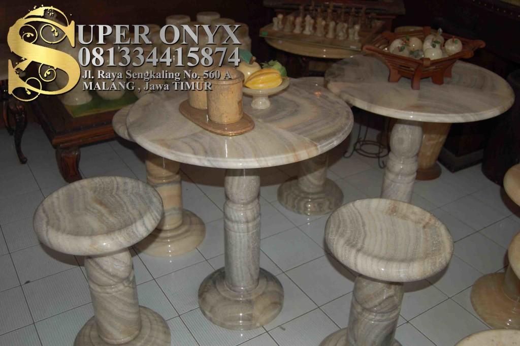 081334415874 , Kerajinan Batu Marmer Yogyakarta , Kerajinan Marmer Batu Pualam Surabaya , Perbedaan antara Marmer dan Granit (1)