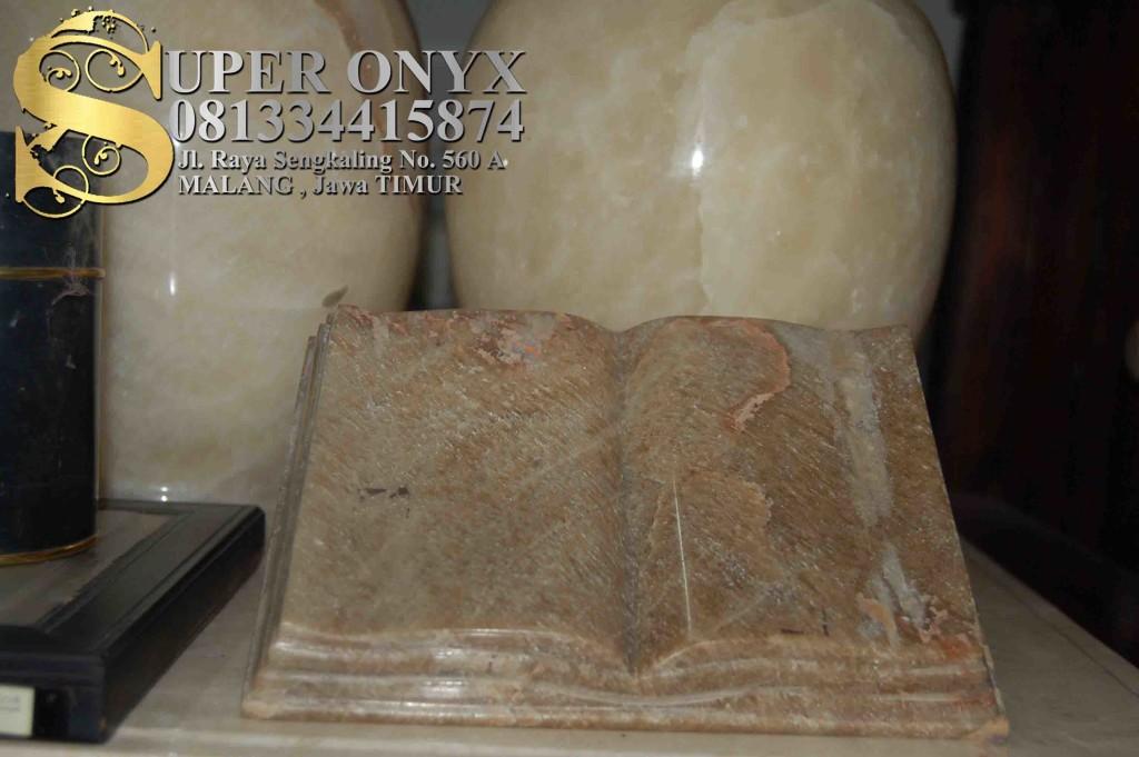 081334415874 , Kerajinan Batu Marmer Yogyakarta , Kerajinan Marmer Batu Pualam Surabaya , Perbedaan antara Marmer dan Granit (3)